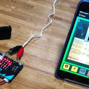 micro:bitと100円ショップのドアセンサーでファミマ風な侵入感知システムを作ってみた